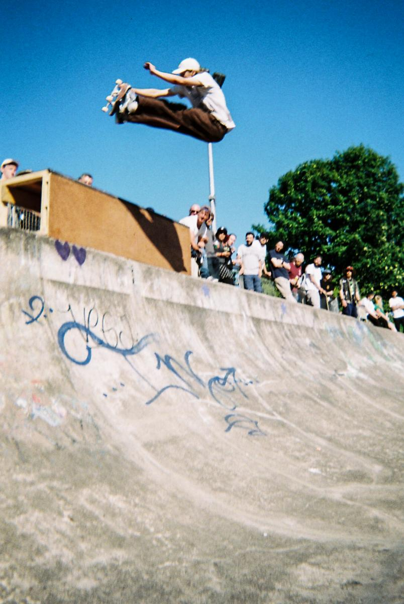 Griff knows how to shoot with a disposable!. Ben Broyd